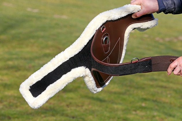 Kentucky Horsewear Sheepskin Stud Girth Cover