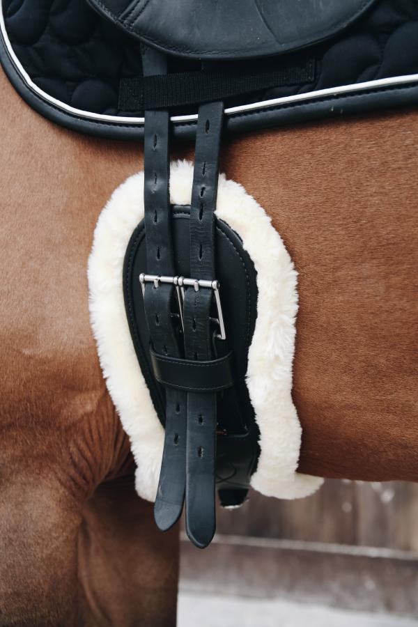 Kentucky Horsewear Anatomic Short Sheepskin Girth