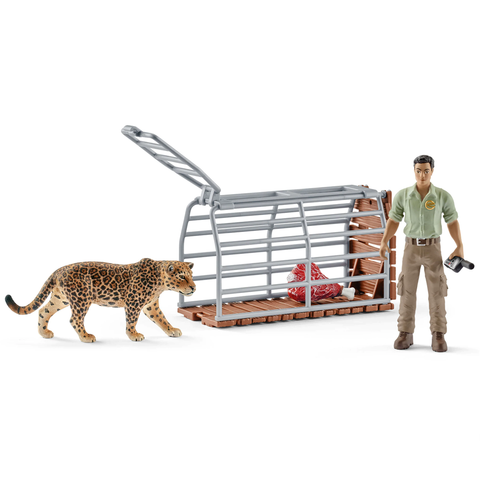 Schleich Ranger with Trap 42427