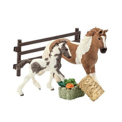 Special Edition Tinker mare and foal  Schleich 72069   Introduced: 2014; Retired: 2014  Released in ToysRus in Germany, Austria etc