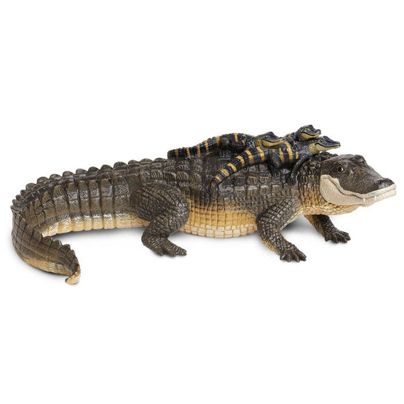 Safari Ltd Alligator With Babies - extra large - AnimalKingdoms.co.nz
