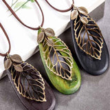 Necklace-three-colors-variants-green-black-brown