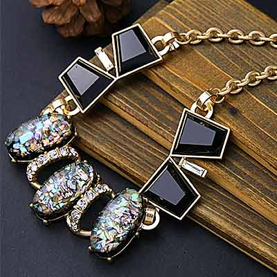 art-deco-crystal-cluster-bib-necklace-colour-rainbow-mayfairtrends