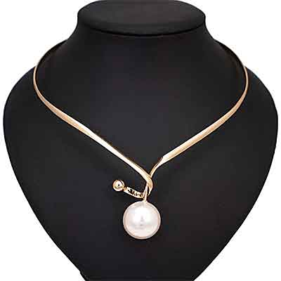 side-view-Da-Vinci-Pearl-Choker-Torque-Necklace-Mannequin-display-mayfairtrends