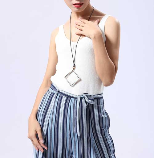 woman-dress-white-tshire-wearing-Mayfair-Chic-Trio-Square-Necklace