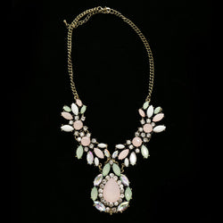 Luxury Crystal Antiqued Necklace Gold & Pink NWOT