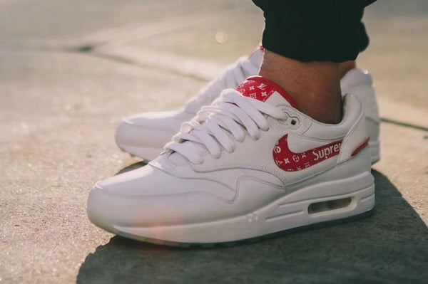 302a7b3a7b90 Nike Air Max 90 x Supreme X LV White  Red – Vencias