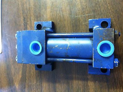 Lynair Pneumatic Air Cylinder  A-1 1/2A04-1 1/2