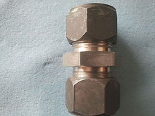"316, 1"" Tube Fitting x 1"" Tube Union"