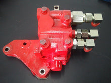 CM11N02R20D21IN175, Vickers Valve, Mahindra,  w/ sub plate & lever assembly