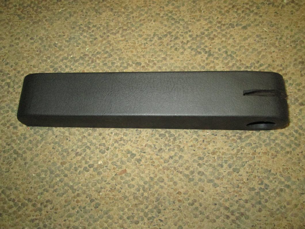 008000179B1, Mahindra, Arm Rest Right Side C35 Seat