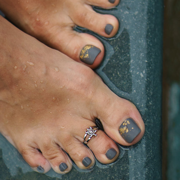 DREAMER Turtle Toe Ring