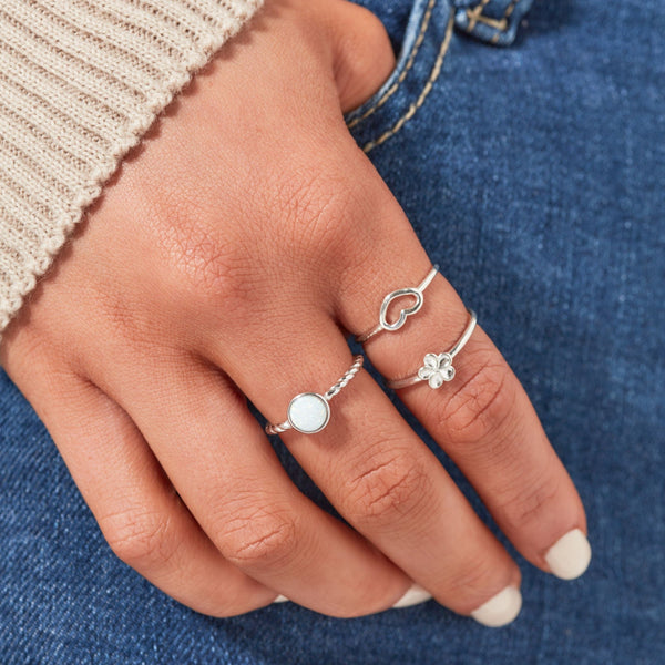 DREAMER Tiny Heart Ring