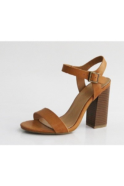 The Naomi stacked heel