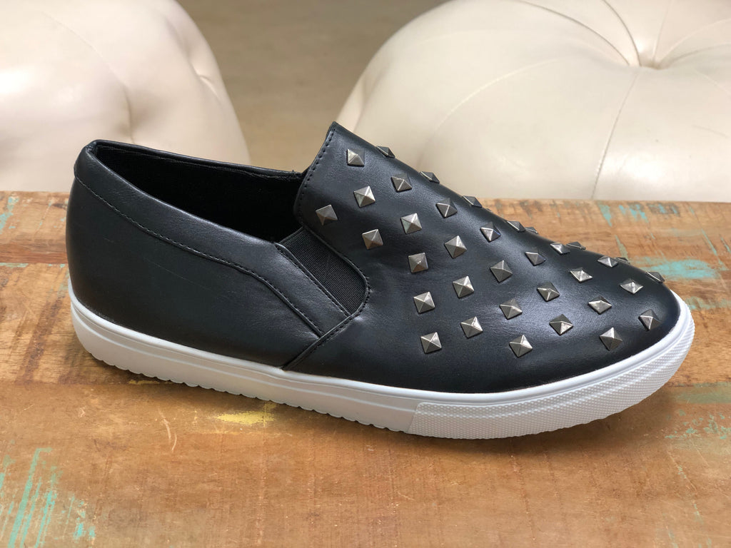 Studded Tennis shoe