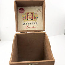Vintage Wooden Webster Directors Cigar Box, this is Pre-Owned Item