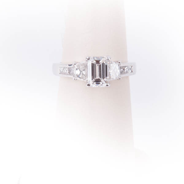 LADIES  2.10CTW EMERALD CUT VVS2G DIAMOND  RING IN 14KW, this is New Item #V31715.SA