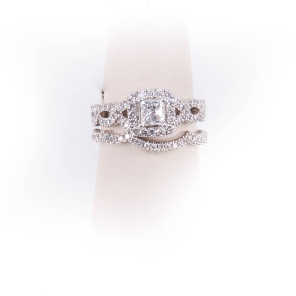 LADIES DIAMOND NAIL LANE  DESIGN WEDDING SET RING IN 14KW, this is Pre-Owned Item #335299