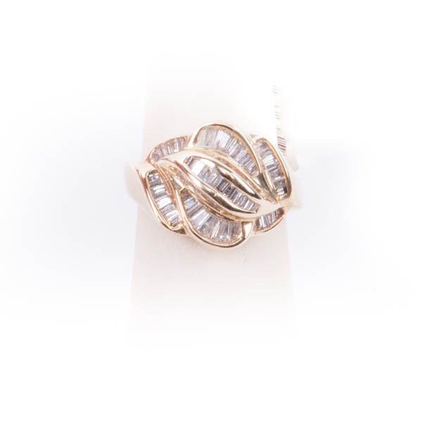 LADIES DIAMOND RING 6.6GRAMS IN 14KW #275712A