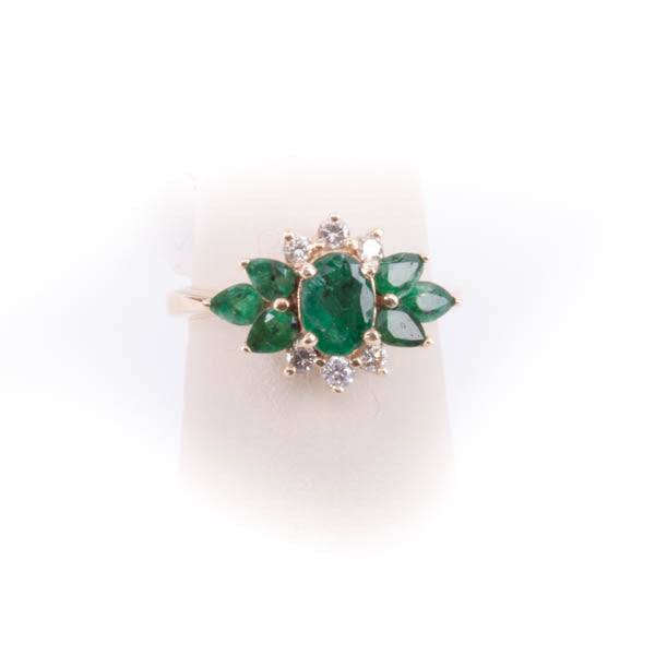 LADIES EMERALD & DIAMOND RING 4.6GRAMS IN 14KY, this is Pre-Owned Item #252902
