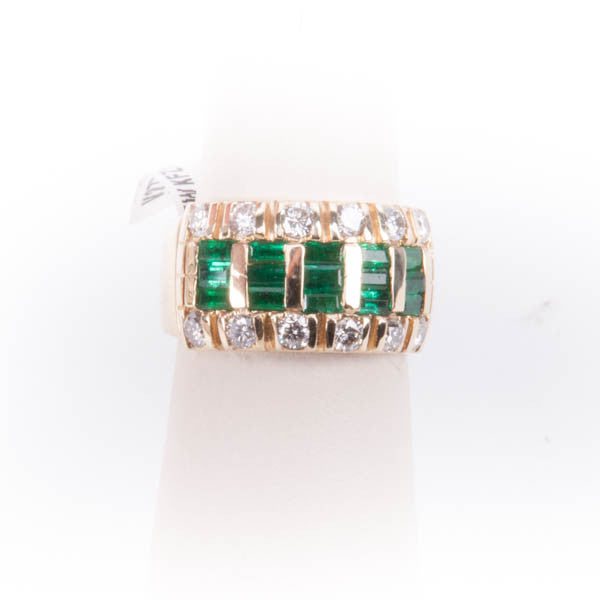 LADIES .089CTW DIAMOND & 1.67CTW EMERALD RING IN 14KY, this is New Item #V27794