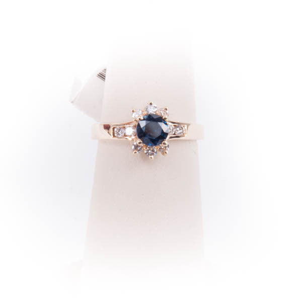 LADIES DIAMOND & SAPPHIRE  RING 4.1GRAMS IN 14KY, this is Pre-Owned Item #334699
