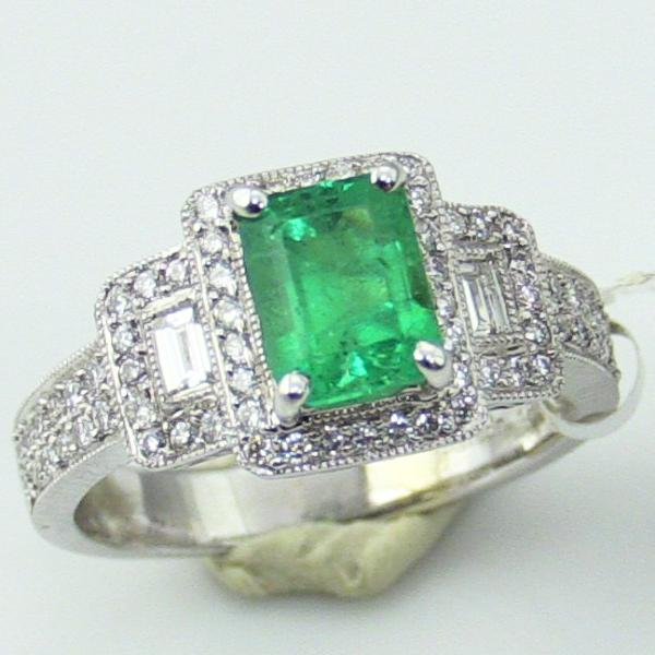 18KW Gold Emerald Diamond  Ring, Size 6.75, this is New Item #R0628D