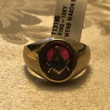 Men's 10KY Gold Genuine Red Synthetic Oval Ruby Enamel Masonic Ring Size 9.5, Pre-Owned item #T13185