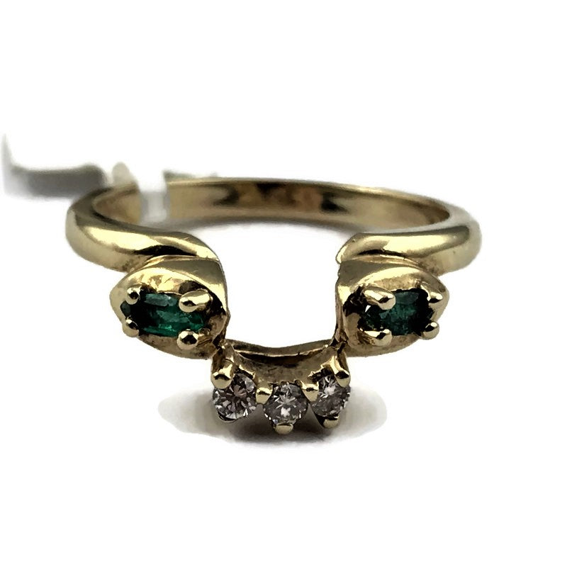Emerald and Diamond Guard Ring in 14K Yellow Gold