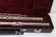 Jupiter Flute in Case, this is Pre-Owned Item #324212