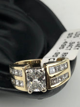 Diamond Engagement Ring in 14K Yellow Gold, Pre-Owned item #343855