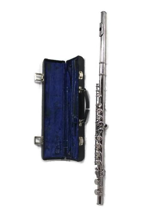 Gemeinhardt 2NP Flute With Case, this is Pre-Owned Item #343718G