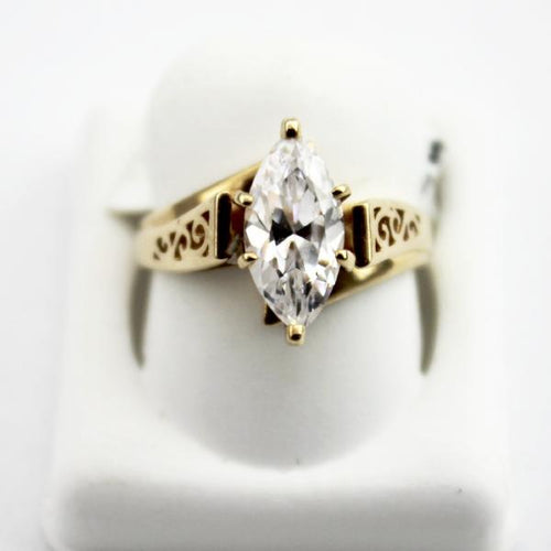 10K Yellow Gold Ladies Beautiful marquise cut Zircon ring sz 5.75 Pre-Owned #340831E