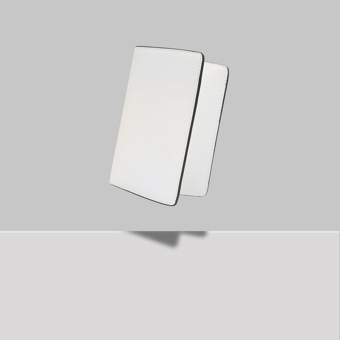 GRAND ST PASSPORT HOLDER WHITE