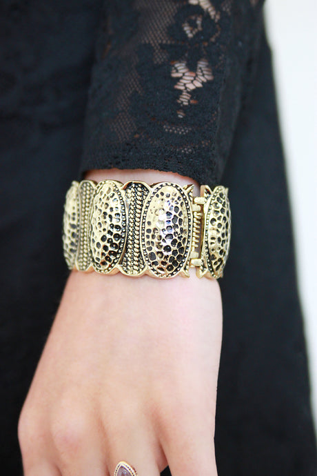 Antique Style Gold Cuff Bracelet - Missworldlondon