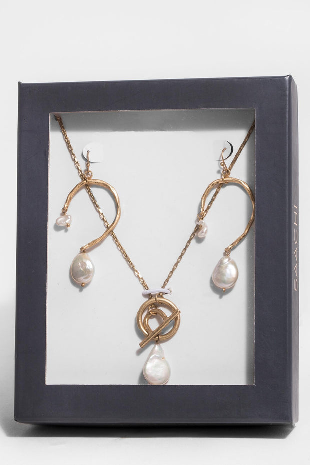 Pearl Necklace and Earring Gift Box
