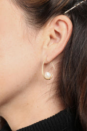 Floating Pearl Earring Gold