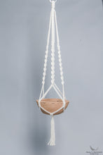 Plant hanger in Macrame holding a terracotta pot - Cream color- Model 01 - studio photo