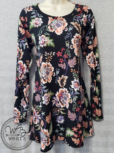 Floral A-line Tunic size medium - WB Wears
