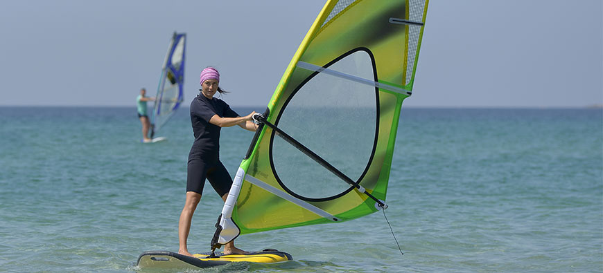 A Beginner's Guide to Windsurfing Basics and Tips