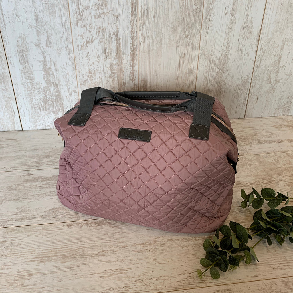 Signature Quilted Medium Holdall