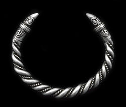 viking raven arm ring bracelet antique silver