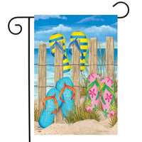 Toes in the Sand Garden and House Flag