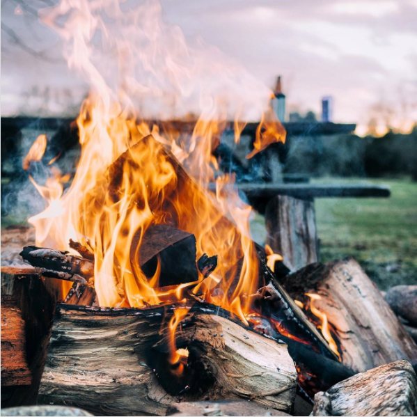 Mountain days, bonfire nights. #outsidefresh