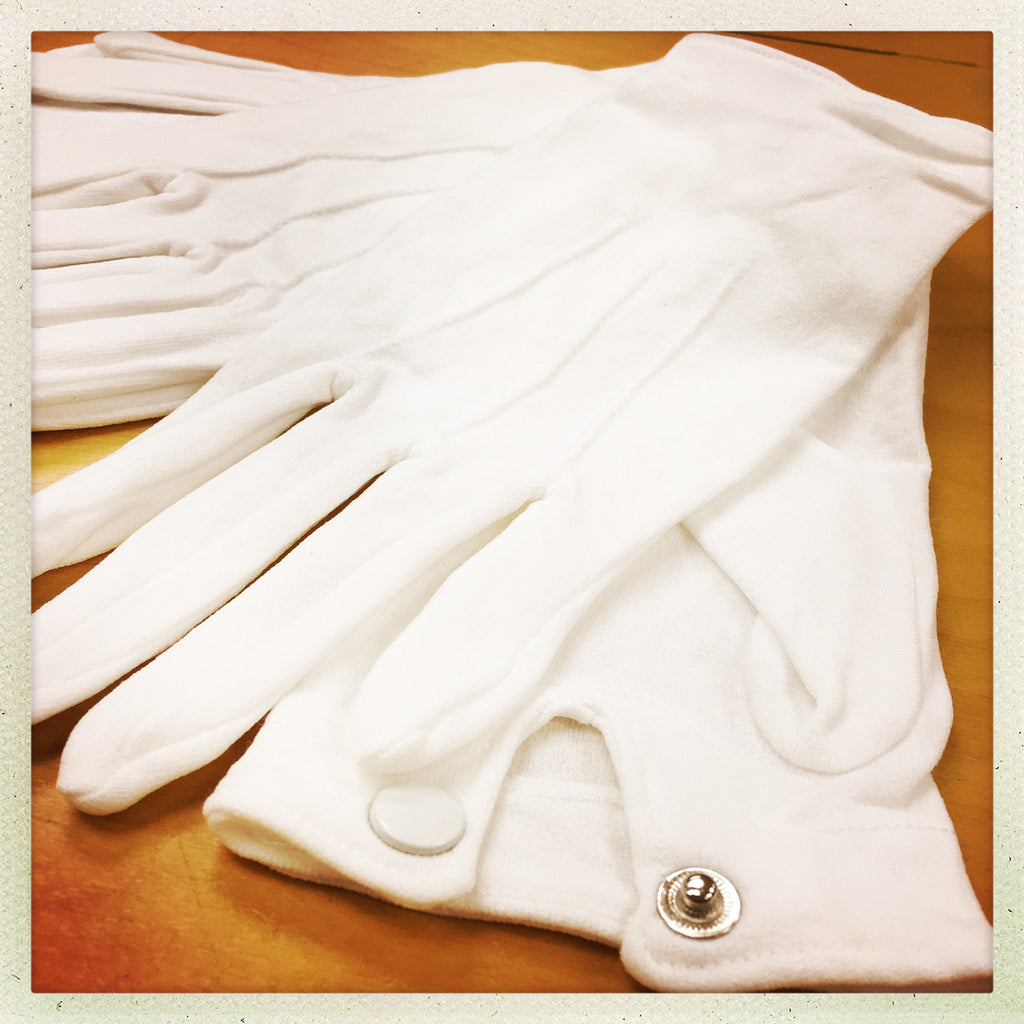 WHITE NYLON PARADE GLOVES