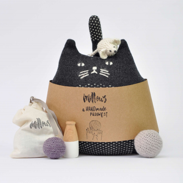 mana o nani handmade knitted black cat Cushion millows