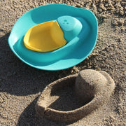 Quut Sloopi boat shaped sand toy