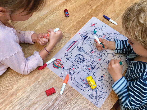 SUPER PETIT Table mat Circuit City and 5 washable markers