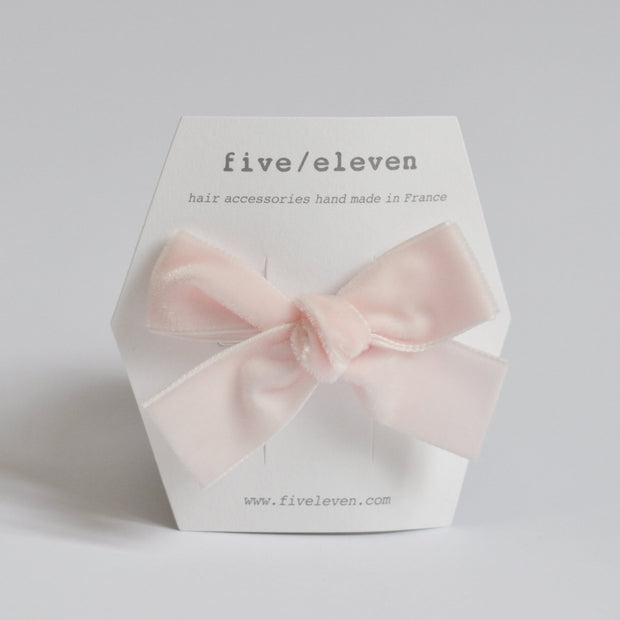 Five/Eleven Medium Velour Hair Clip Bows in pink