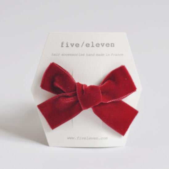 Five/Eleven Medium Velour Hair Clip Bows in red